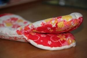 An Oven Mitten from floral Japanese fabrics