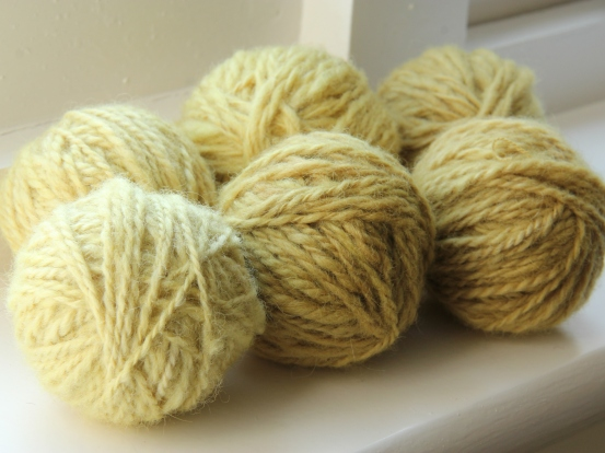 Yarns dyed with heather flowers