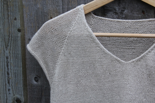 knitted t-shirt, neck and sleeve detail (1024x683)